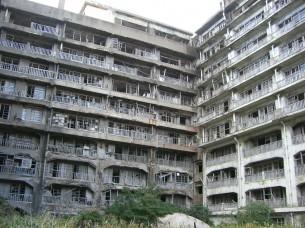 端島(軍艦島)アパート群